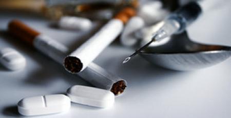 مخدر«گل»جوانان را به خاک نشانده است