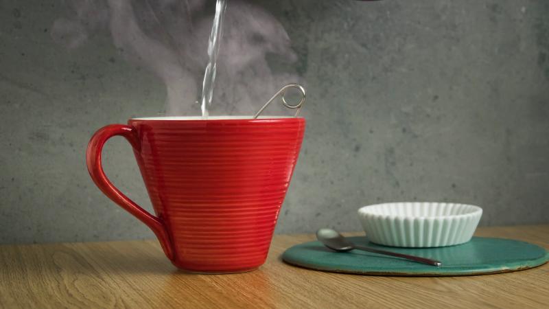 نوشیدن آب گرم چه معجزه ای می کند در بدن