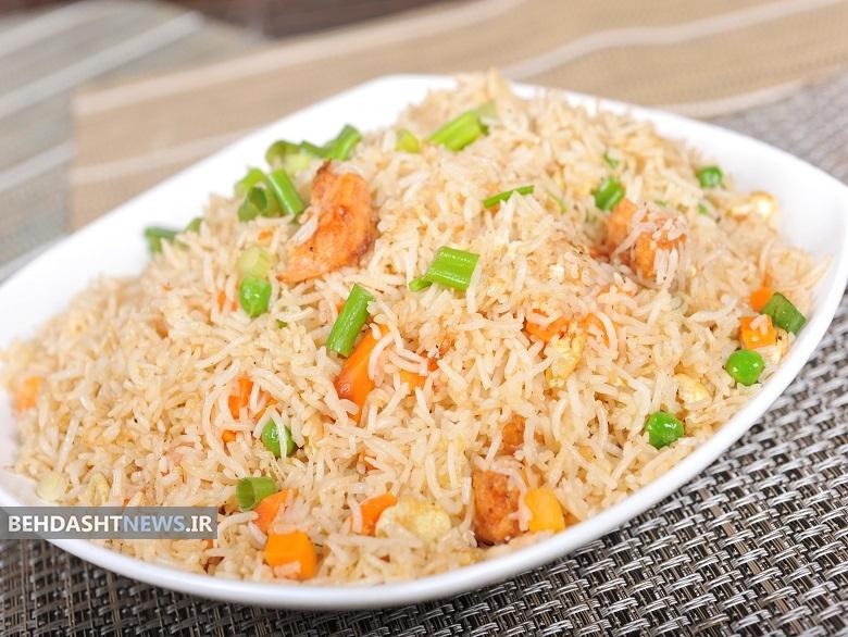 برنج را به این شکل بپزید تا چاق تان نکند