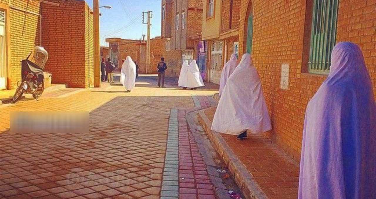 تنها شهر ایران که بانوان چادر سفید بر سر می کنند! + عکس