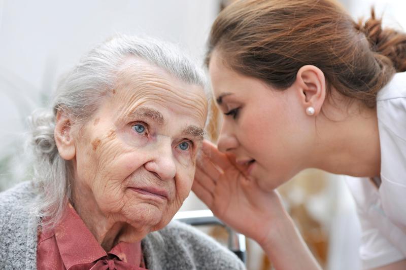 کاهش شنوایی با افسردگی با هم در ارتباط هستند