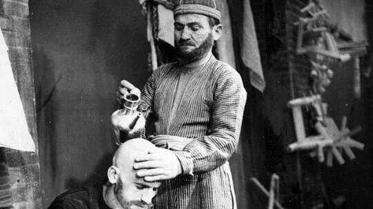 سلمانی در عهد قاجار! + عکس