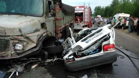 تصادف مرگبار پراید و کامیون با ٨ کشته