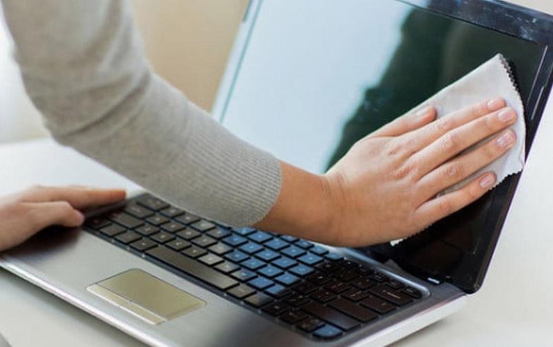 لپ تاپ مان را چگونه تمیز کنیم؟