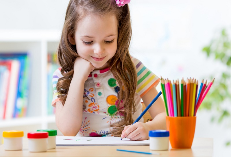 راست دست شدن یا چپ دست شدن کودک به چه عواملی بستگی دارد؟