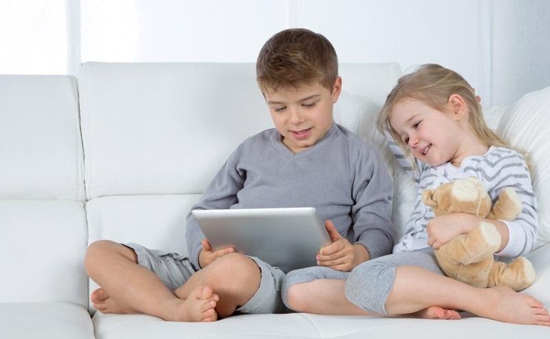 فرزندمان را در فضای مجازی این گونه کنترل کنیم