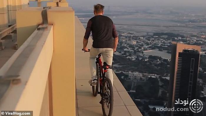 اقدام ترسناک یک دوچرخه سوار در دوبی! + عکس