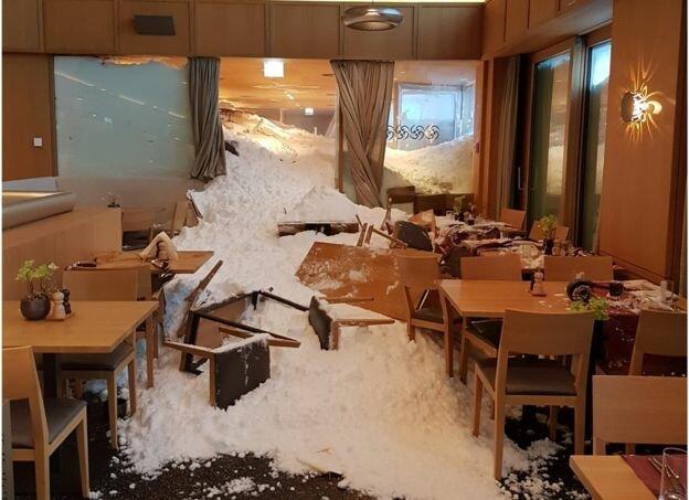 برف و کولاک وحشتناکی که اروپا را تعطیل کرده است + عکس