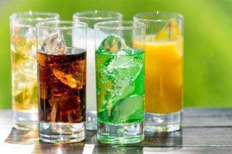 تاثیر منفی نوشیدنی های شیرین بر عملکرد کلیه ها