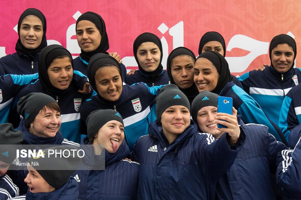 روز جهانی فوتبال زنان با حضور دختران فوتبالیست + تصاویر