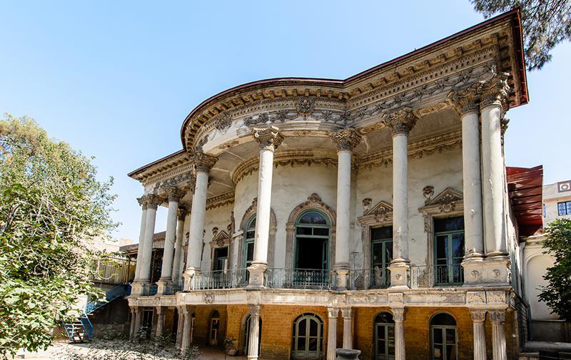 رنگآمیزی یک بنای تاریخی برای سریال + عکس