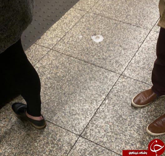 مسواک زدن مسافر روی سکوی مترو + عکس