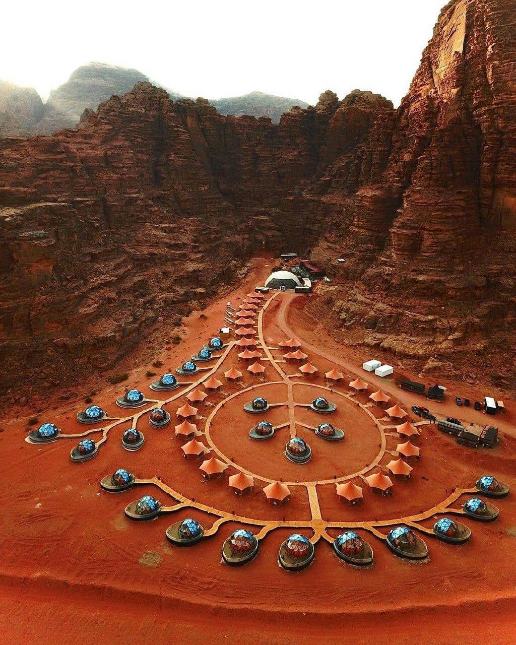8758889 - هتل صحرایی لوکس در اردن + عکس