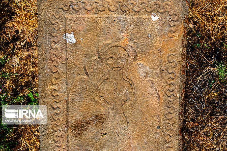 4472660 - سنگقبرهای منحصر به فرد گورستان ۲۰۰ ساله ارامنه + عکس