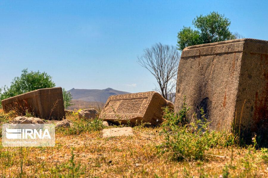 4472669 - سنگقبرهای منحصر به فرد گورستان ۲۰۰ ساله ارامنه + عکس