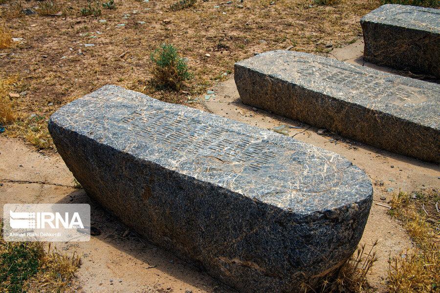 4472672 - سنگقبرهای منحصر به فرد گورستان ۲۰۰ ساله ارامنه + عکس