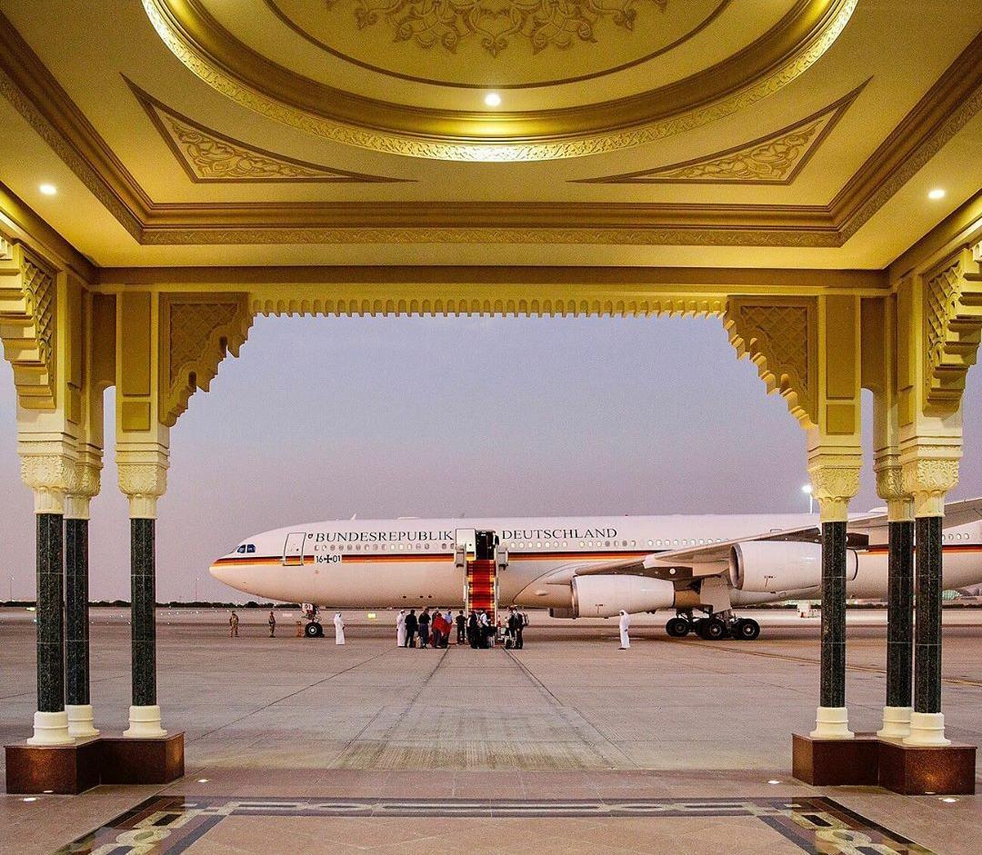675764 - هواپیمای وزیر خارجه آلمان در فرودگاه ابوظبی + عکس