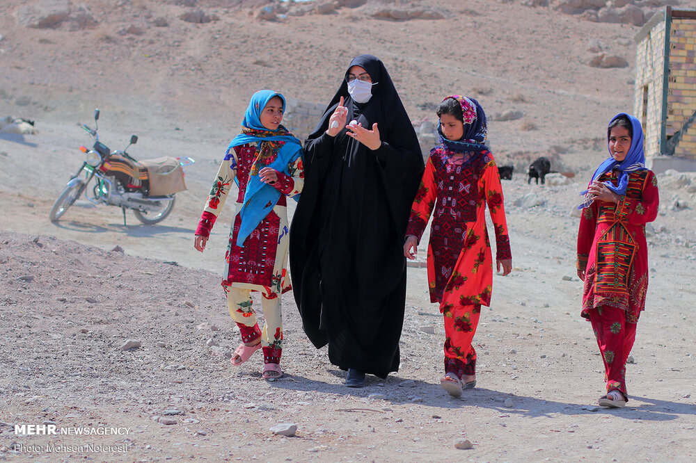 90072 - برگزاری اربعین متفاوت در ۳۰ کیلومتری مرز افغانستان + عکس