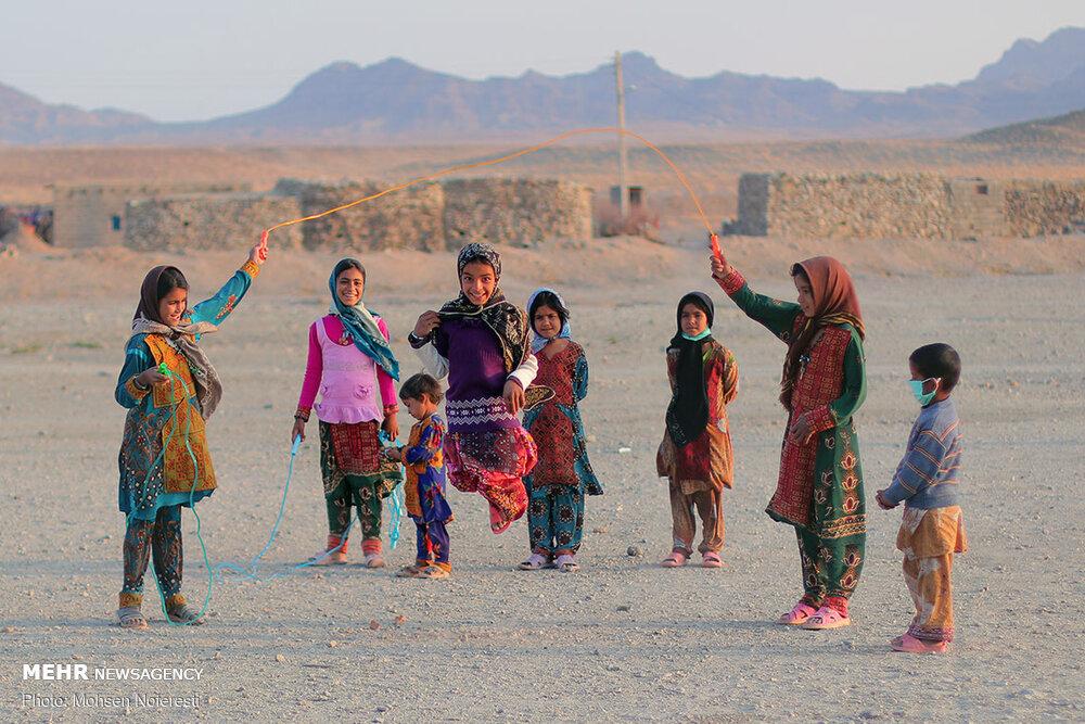 90078 - برگزاری اربعین متفاوت در ۳۰ کیلومتری مرز افغانستان + عکس