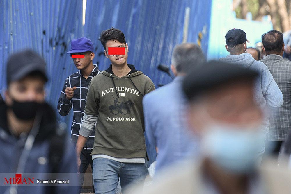 مقاومت برای ماسک زدن! + عکس