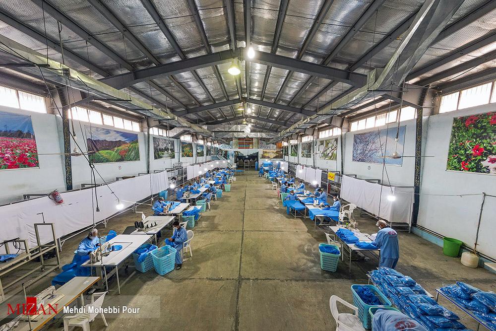 357283496 - تولید لباس بیمارستانی توسط زندانیان مازندران+ عکس