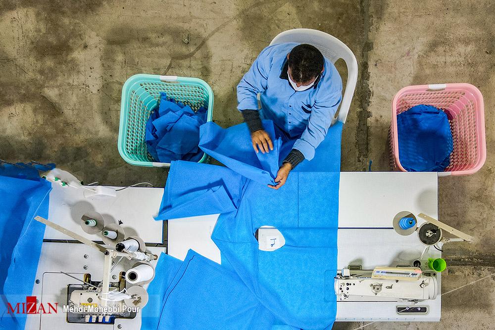 72934864 - تولید لباس بیمارستانی توسط زندانیان مازندران+ عکس