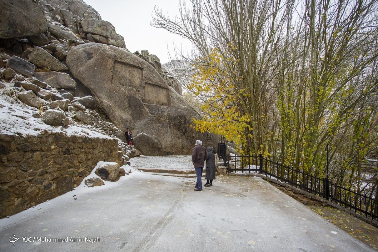 40012 - بارش اولین برف امسال در همدان+عکس