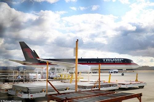 هواپیمای شخصی ترامپ به پارکینگ رفت + عکس