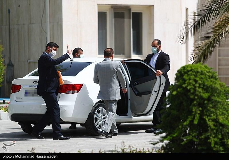 خودروی خارجی «محمود واعظی» بعد از جلسه هیات دولت + عکس