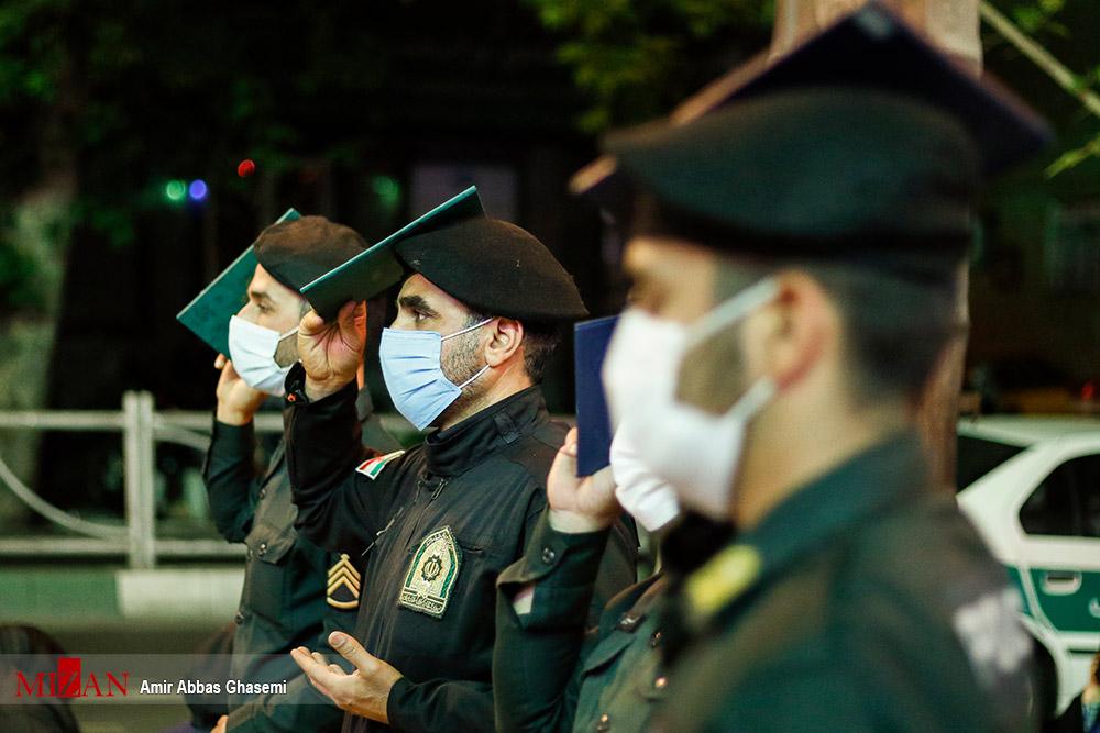 مراسم احیاء شب بیست و سوم در کنار ماموران پلیس پیشگیری + عکس