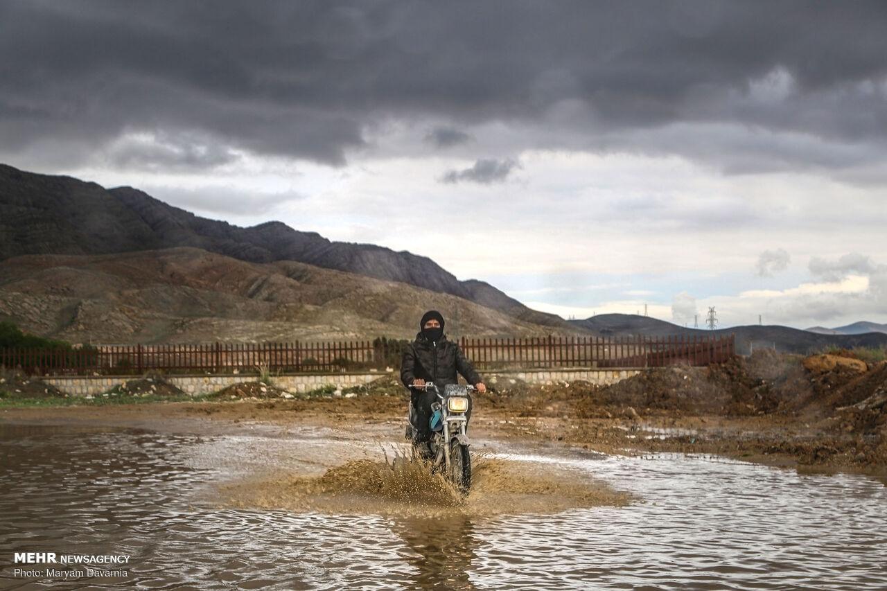 وقتی باران کم کاری های حاشیه شهر بجنورد را آشکار می کند + عکس