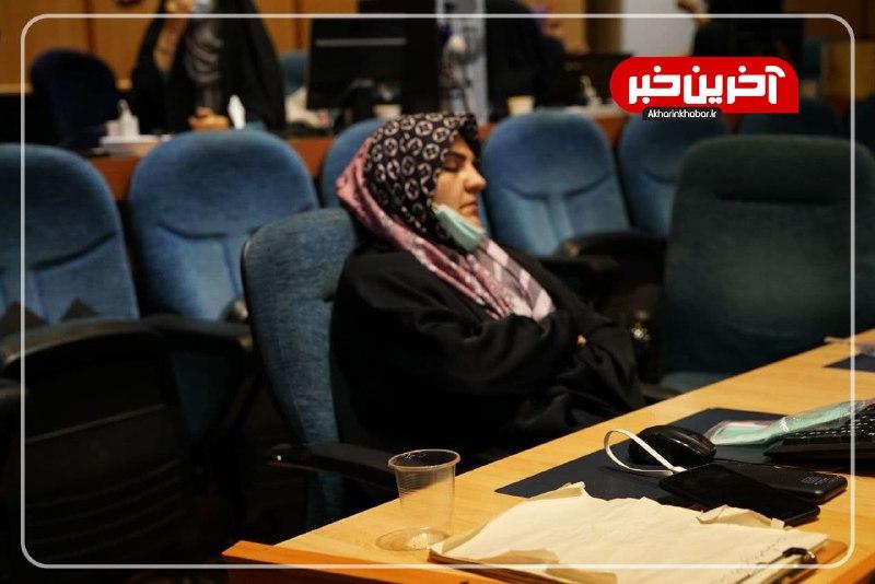 خستگی و انتظار خبرنگاران در ستاد انتخابات وزارت کشور + عکس