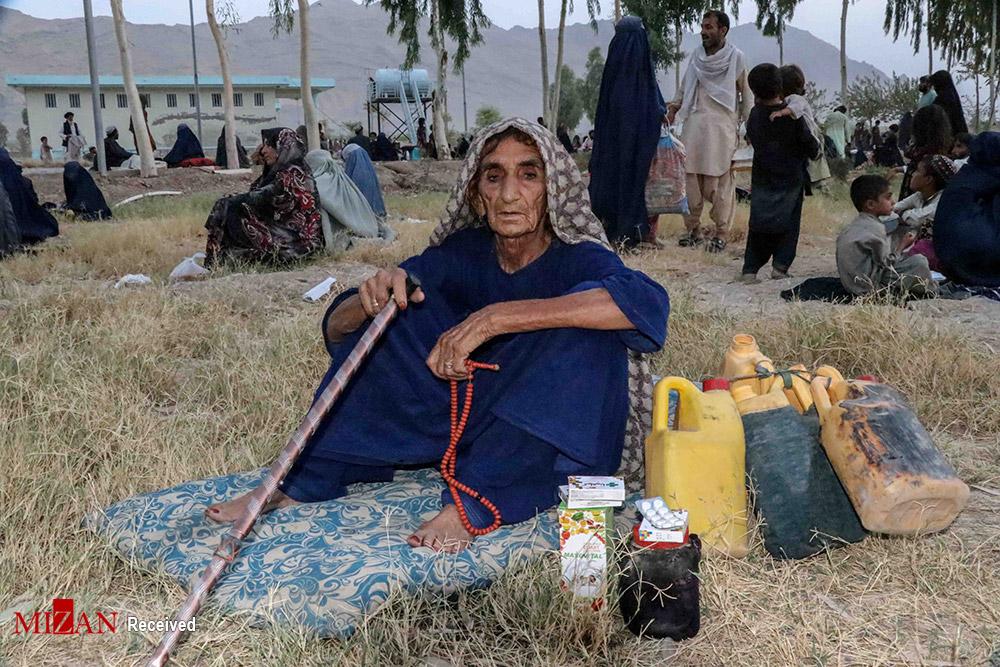 فرار افغان ها از دست طالبان + عکس