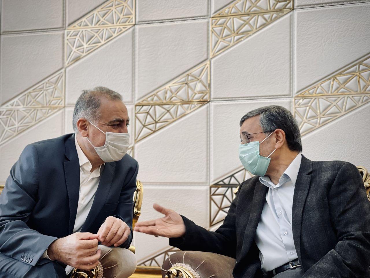 سفر جنجالی احمدی نژاد و همسرش به دبی + عکس