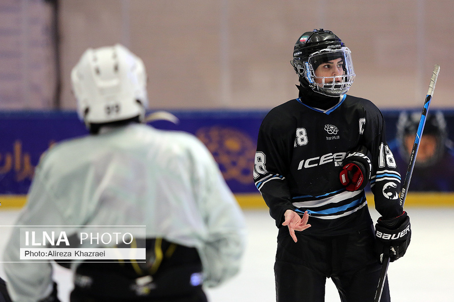 تمرینات تیم ملی هاکی روی یخ بانوان و آقایان + عکس